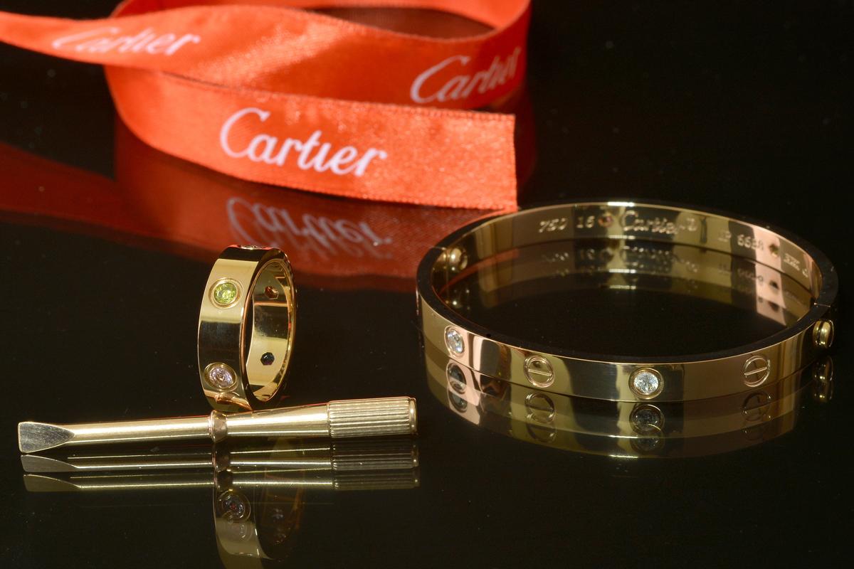 Кольцо и браслет Картье Love с отверткой, цвета желтого золота CR-41475